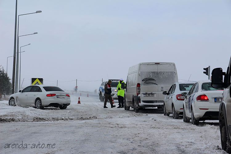 Трасса перекрыта в связи со снегопадом