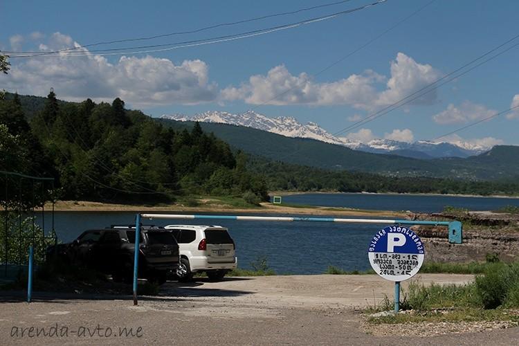Частная парковка в Грузии