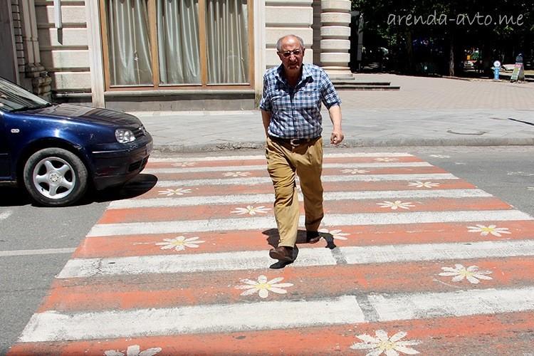 Пешеходный переход в центре Кутаиси